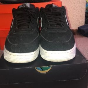 Nike Air Force 1 '07 LV8 size 9.5